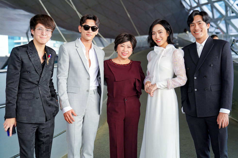 The cast and crew of Vietnamese film  'Anh Trai yeu Quai' (Dear Devil Brother) at the 24th Busan International Film Festival in Busan, South Korea. Photo: CJ
