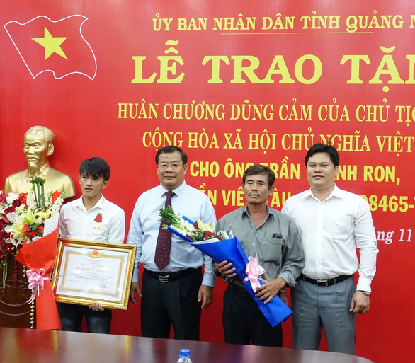 This Vietnamese fisherman sacrifices himself to rescue victims from sinking boat