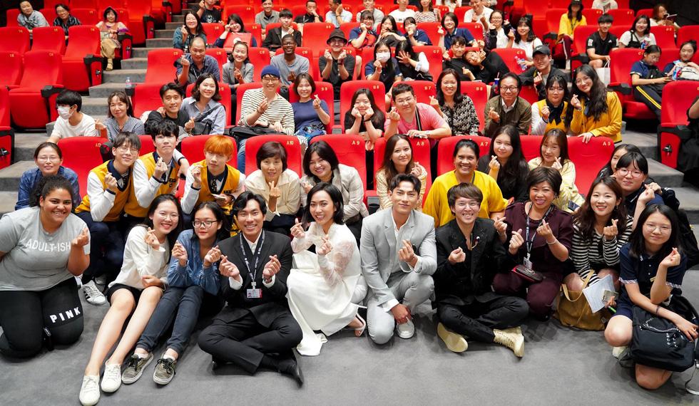 Vietnamese screenings draw crowds at Busan film fest