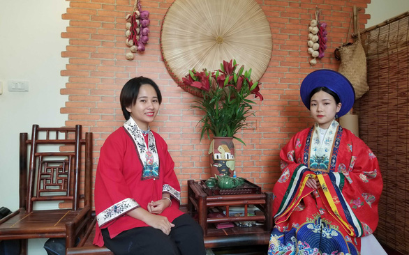 Vietnamese woman revives country's ancient clothes