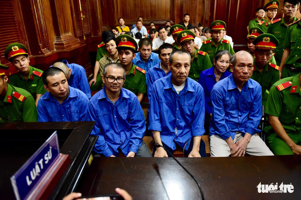 Court hands death sentences to 8 drug smugglers in Vietnam