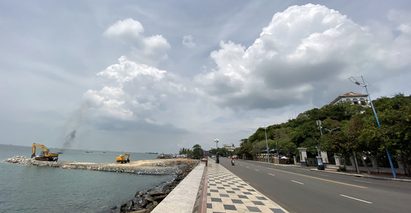 Residents concerned as company reclaims land to build aquarium in southern Vietnam