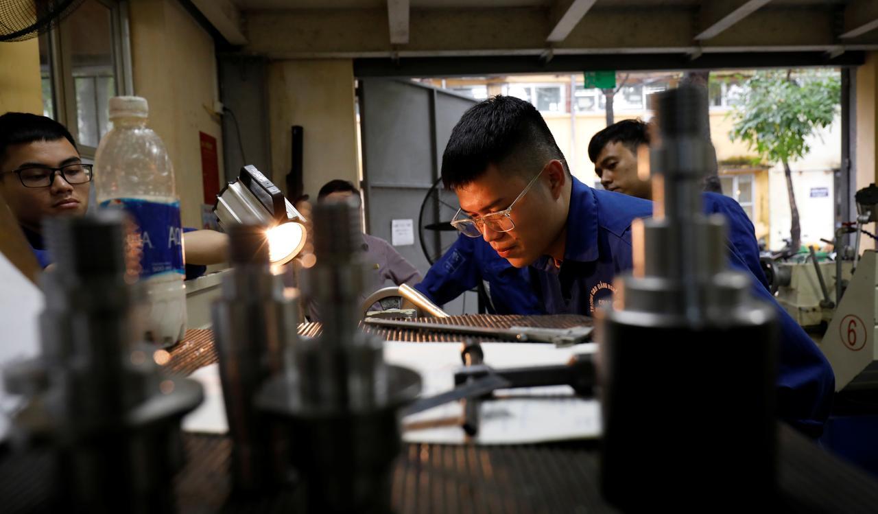 Choke point: Vietnam skilled labor squeezed by Sino-U.S. trade war