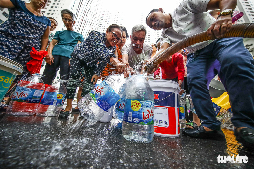 Water scarcity plagues Hanoi residents after polluted tap water episode