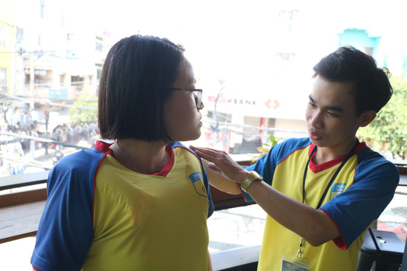 Vietnamese students invent 'life shirt' to prevent drowning