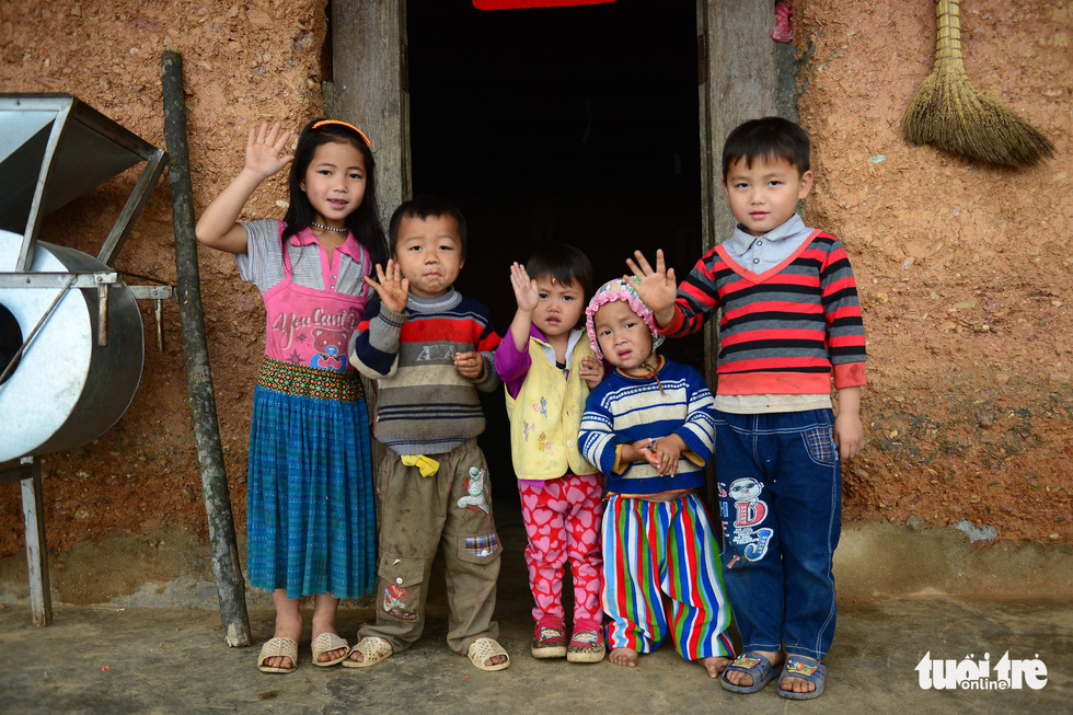 Local children at their house in Quan Ba District, Ha Giang Province, Vietnam. Photo: Quang Dinh / Tuoi Tre