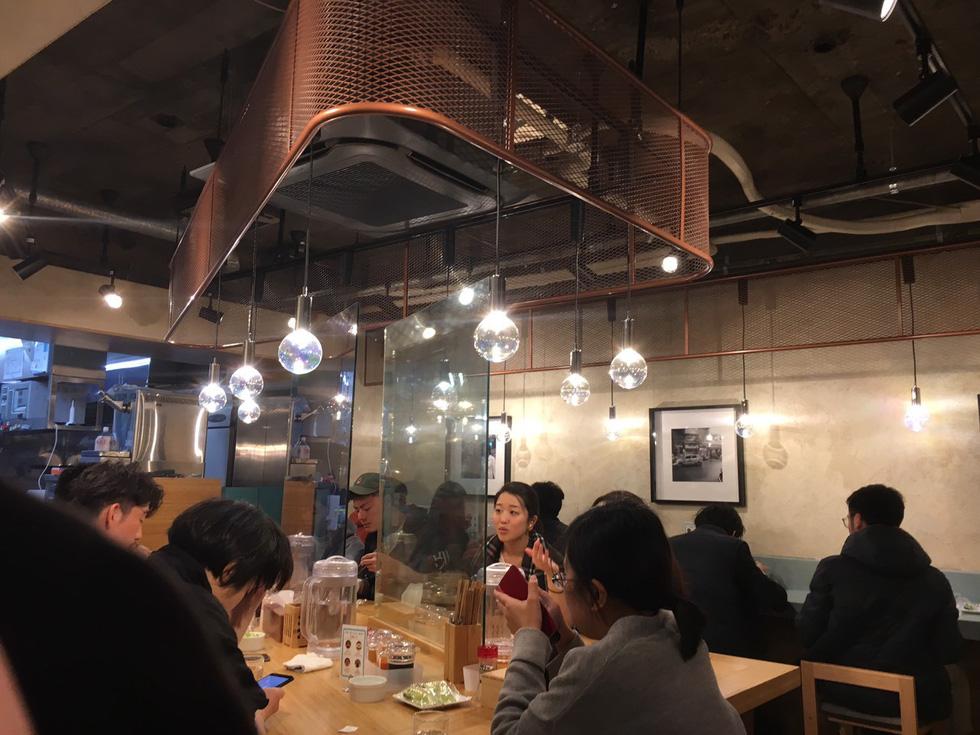 Diners eat Vietnamese pho at Pho Thin Tokyo in Tokyo, Japan. Photo: Ngoc Anh / Tuoi Tre