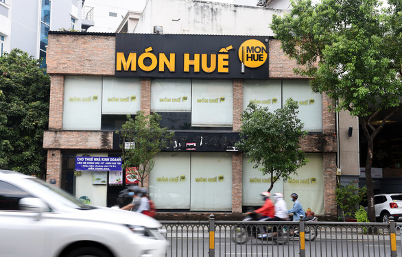 A Mon Hue restaurant on Nguyen Van Troi Street, Phu Nhuan District in Ho Chi Minh City is closed on October 22, 2019. Photo: Duyen Phan / Tuoi Tre