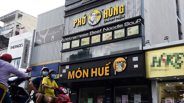 A Mon Hue restaurant on Hai Ba Trung Street in District 1, Ho Chi Minh City, is closed on October 22, 2019. Photo: Duyen Phan / Tuoi Tre