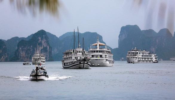 Vietnam halts plan to raise Ha Long Bay entrance fees after backlash