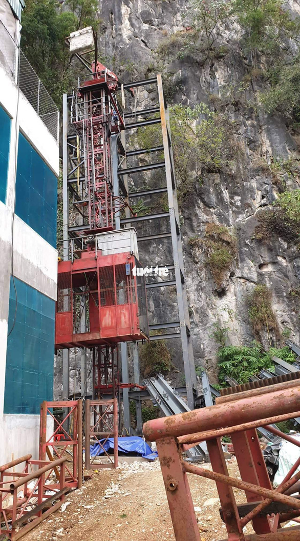 An outdoor elevator for sightseeing is under construction at Don Cao Fortress in Dong Van District, Ha Giang, Vietnam. Photo: Tuoi Tre