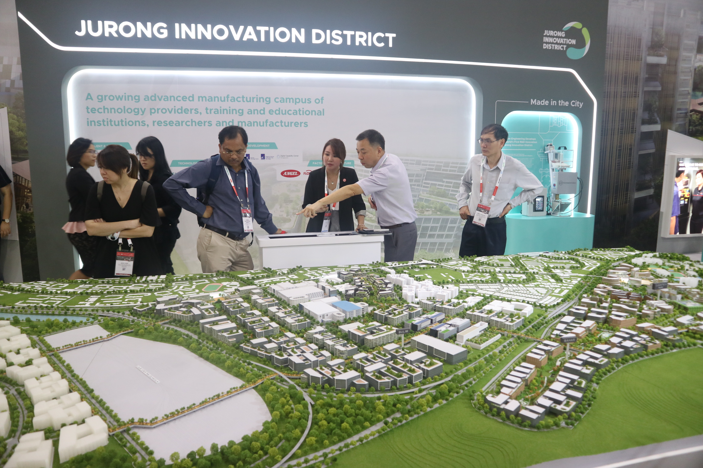 A model of Jurong Innovation District is on display at an exposition in Singapore, October 21, 2019. Photo: Viet Toan / Tuoi Tre News