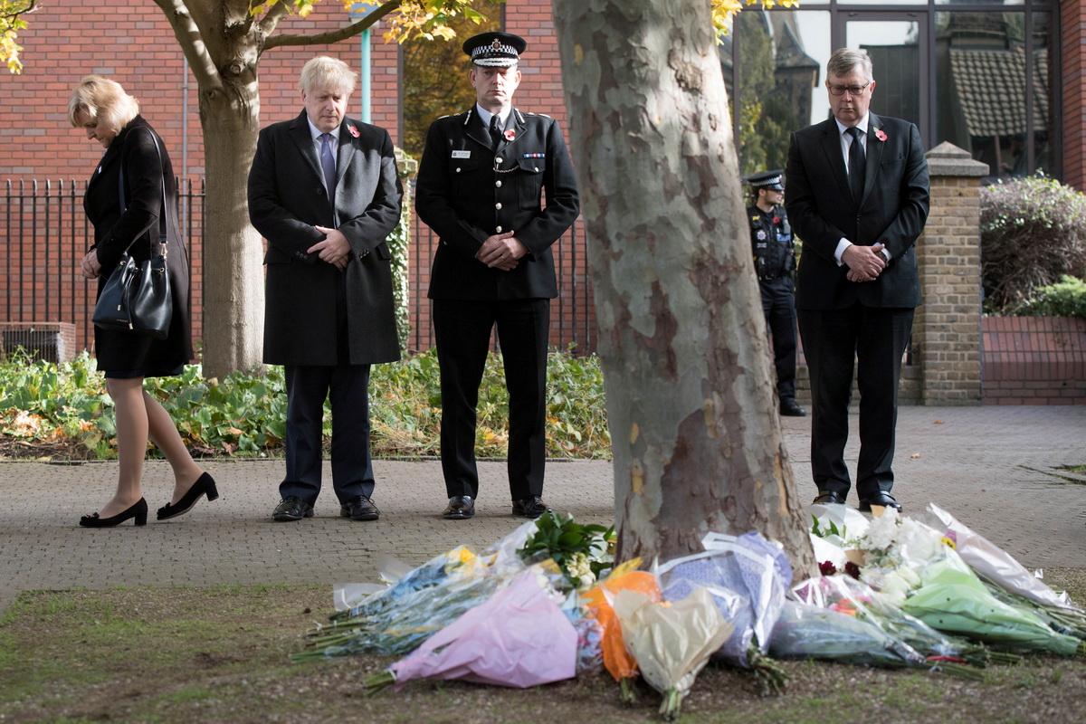 UK ambassador, Vietnam police discuss identification of 39 Essex truck bodies