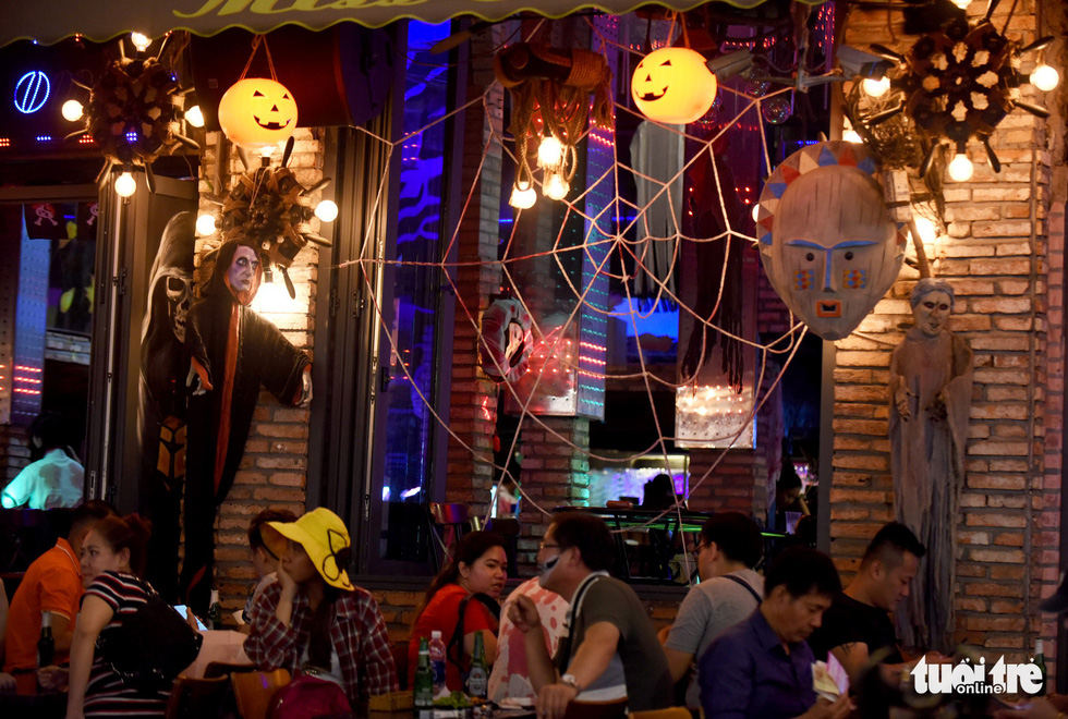 Spooky decorations gave this Bui Vien Street a true Halloween vibe in District 1, Ho Chi Minh City, October 31, 2019. Photo: Duyen Phan / Tuoi Tre