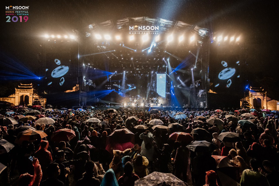 Soaked fans defy rain to party at 2019 Monsoon Music Festival in Hanoi