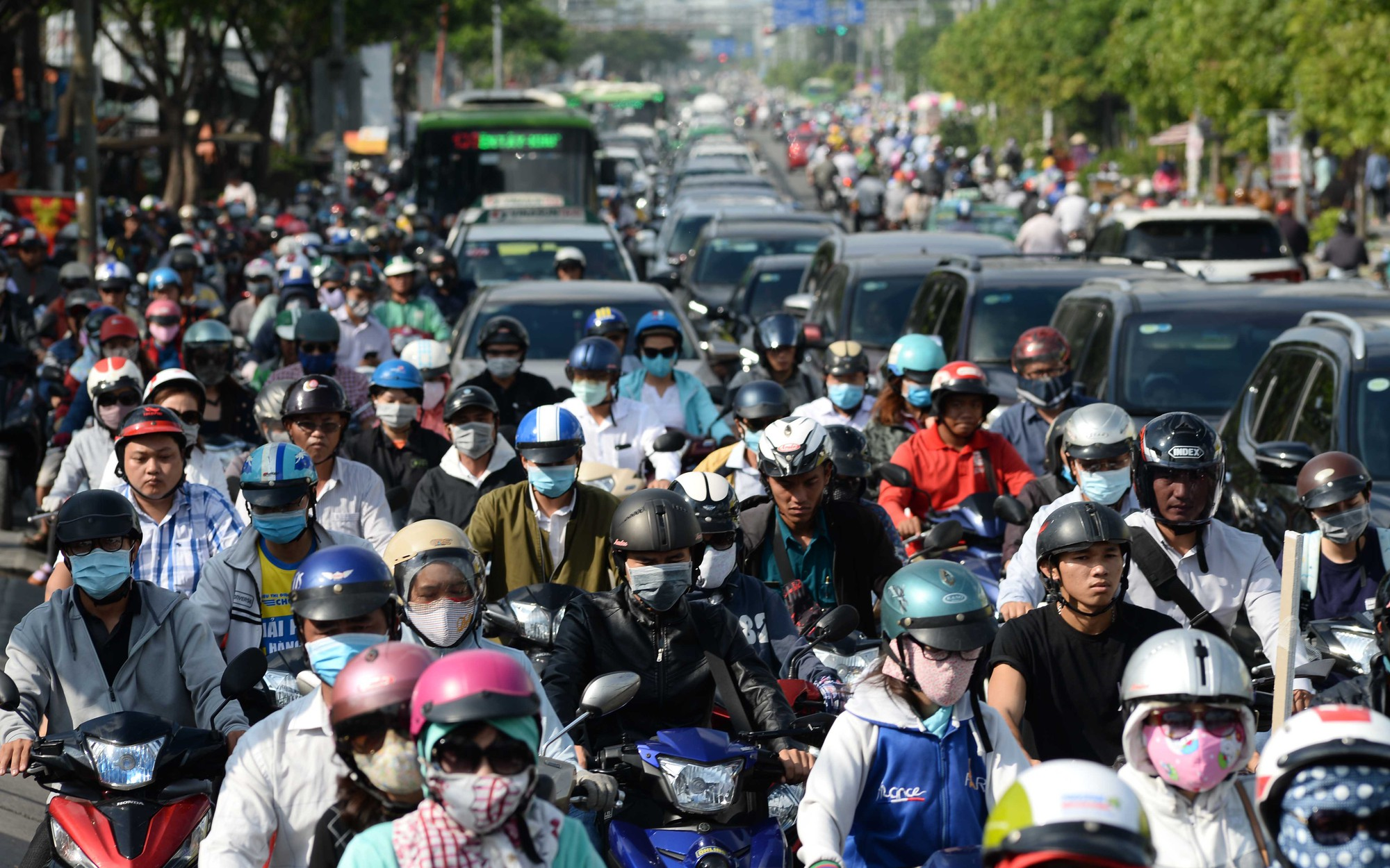Congestion in southern Ho Chi Minh City requires 'drastic measures' to improve traffic infrastructure