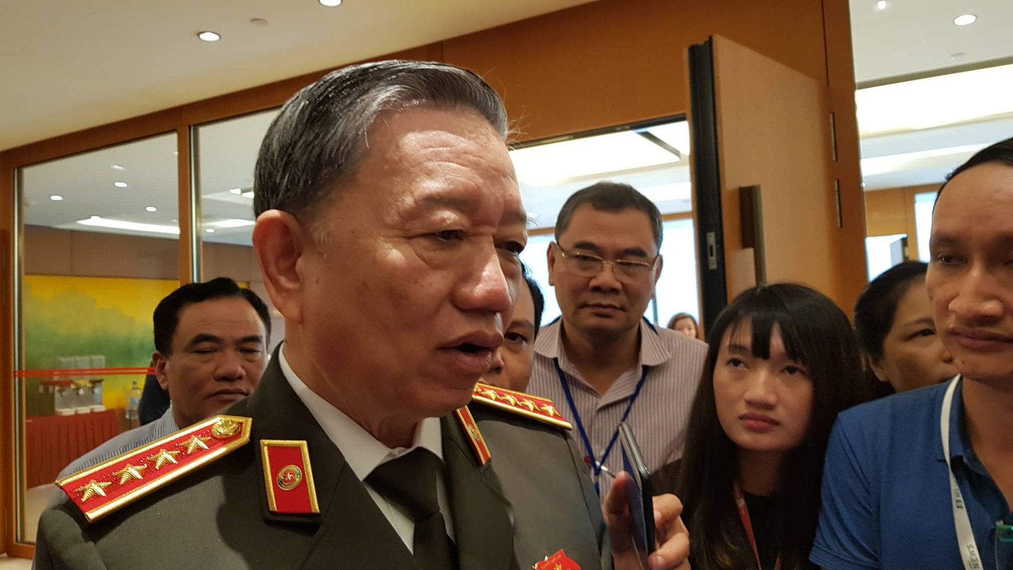 Vietnamese Public Security Minister To Lam speaks to reporters outside a legislature's meeting in Hanoi on November 4, 2019. Photo: Ngoc Hien / Tuoi Tre