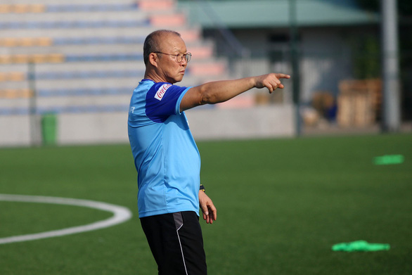 Beloved S.Korean manager extends contract with Vietnam's football governing body
