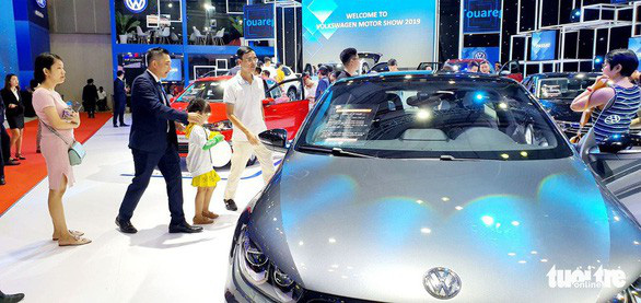 Vietnam customs to confiscate Volkswagen car with illicit 'nine-dash line' map