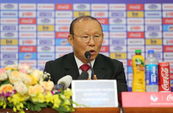 South Korean Park Hang Seo, head coach of Vietnam's national football team, speaks at a contract signing ceremony in Hanoi, November 7, 2019. Photo: Nam Khanh / Tuoi Tre