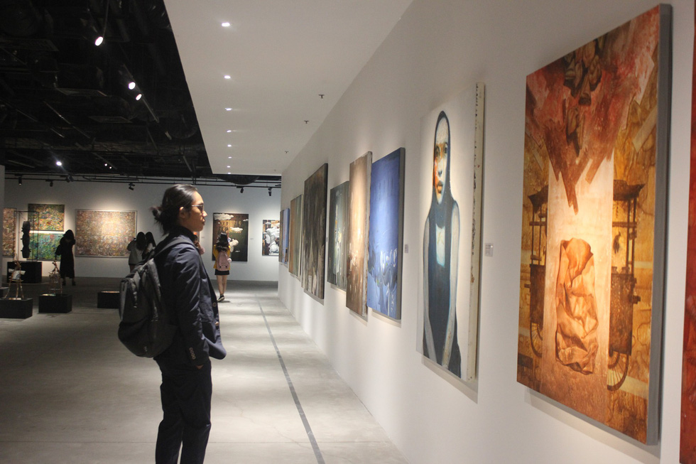 Hanoi exhibition displays fine art from across Asia
