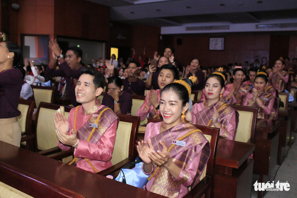 Lao delegates of the SSEAYP 2019 watch performances at the cultural exchange night at the hall of the Ho Chi Minh City's Party Committee in District 3, November 10, 2019. Photo: Cong Trieu / Tuoi Tre