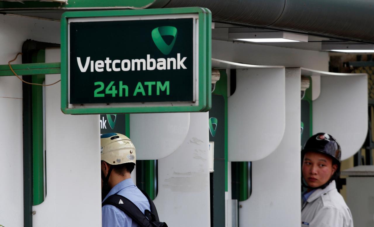 Vietcombank, FWD Group sign 15-year bancassurance partnership