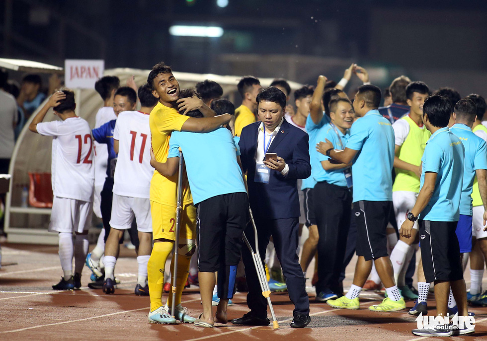 Vietnamese players celebrate after winning a ticket to the finals of the 2020 AFC U19 Championship, November 10, 2019. Photo: Nguyen Khoi / Tuoi Tre