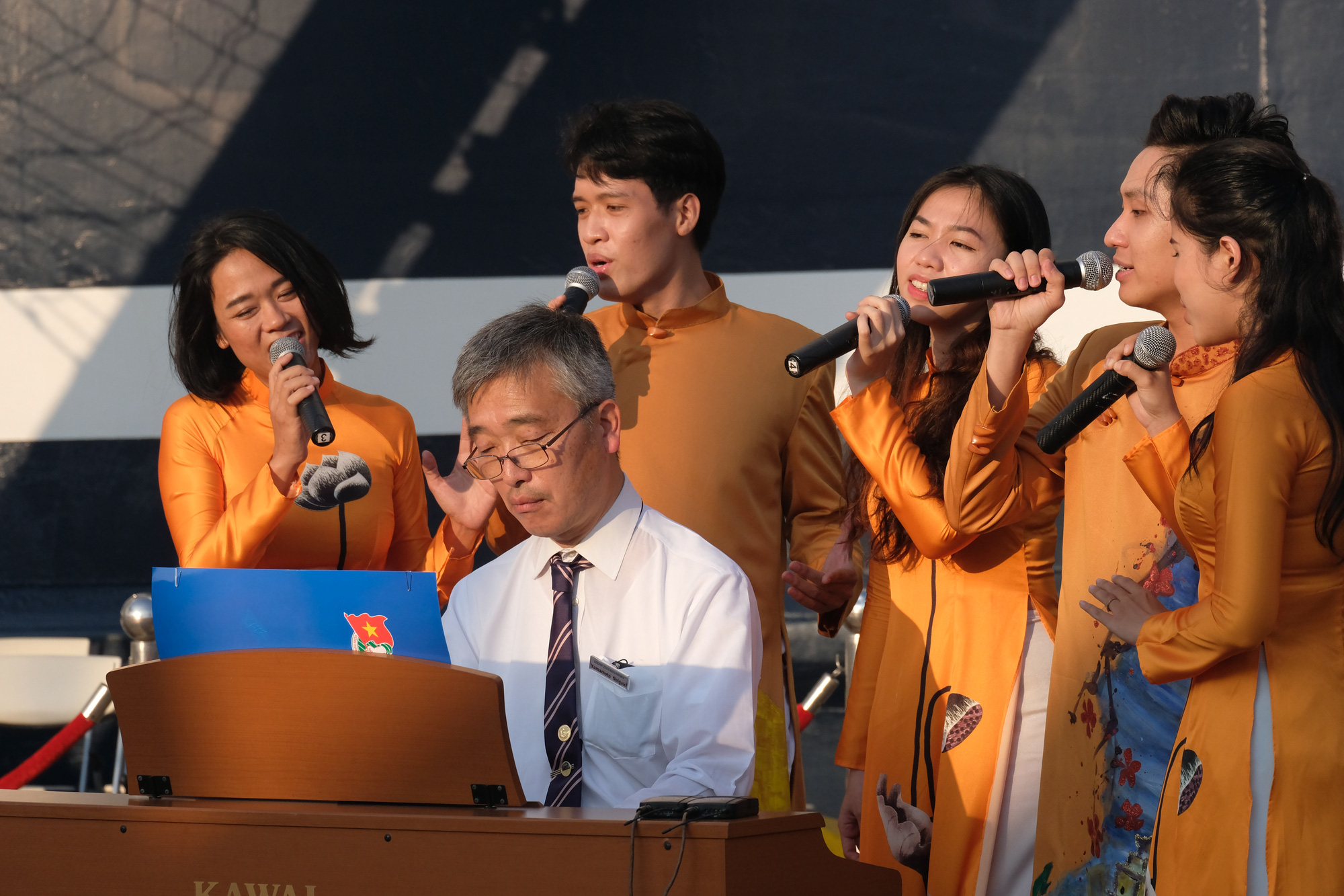 SSEAYP 2019 leader plays piano to bid Ho Chi Minh City farewell