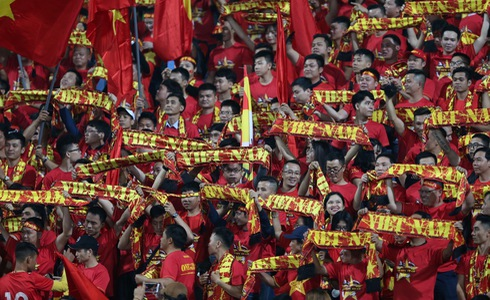 Vietnamese supporters fill My Dinh National Stadium for Vietnam's FIFA World Cup qualifer against the UAE in Hanoi, November 14, 2019. Photo: Tuoi Tre