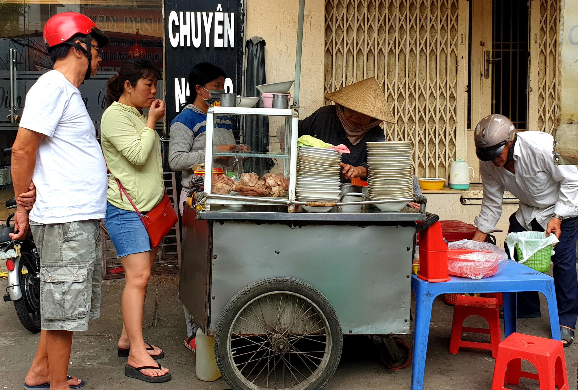 Ho Chi Minh City diners raise costs as pork prices keep surging