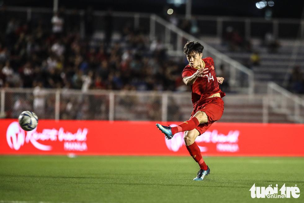 Vietnam's Nguyen Hoang Duc mirrors Angel Di Maria to score winner against Indonesia