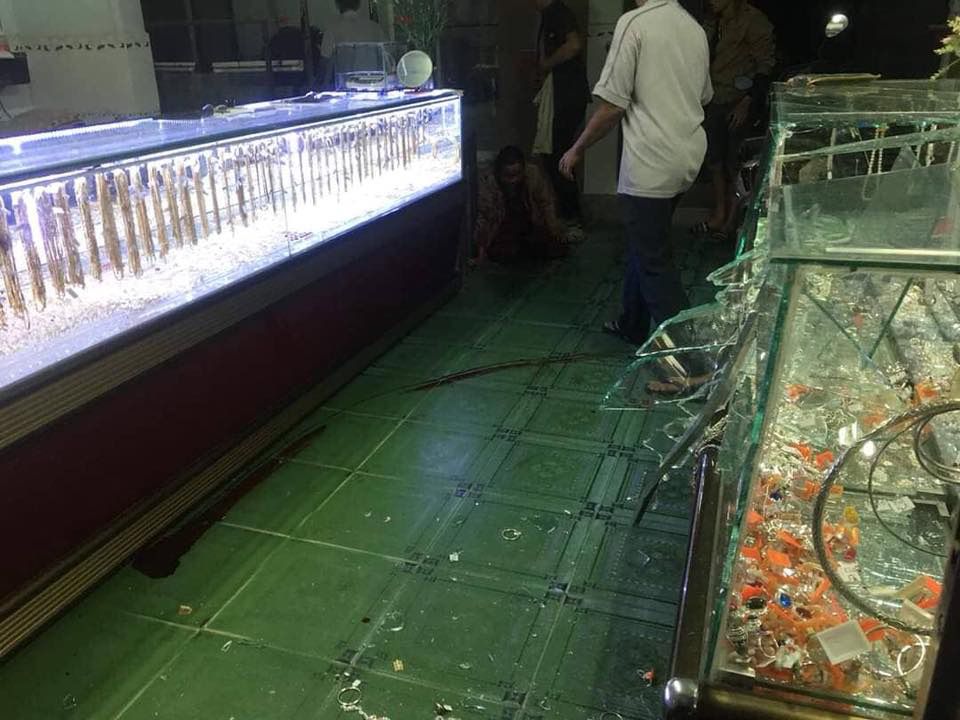 In Vietnam, gold shops robbed as owners watch SEA Games football