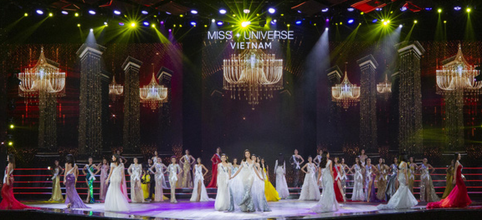 Contestants don evening gowns at the semi-final of the Miss Universe Vietnam 2019 in Nha Trang, the south-central province of Khanh Hoa, on December 3. Photo: Tuoi Tre