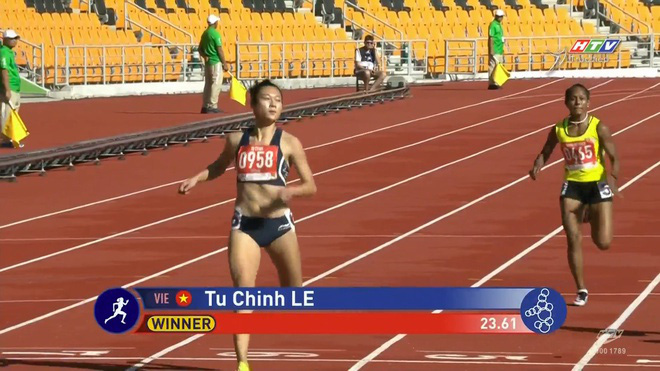 Le Tu Chinh finishes first in the second qualifying heat for the women's 200m athletic event at the 30th SEA Games in the Philippines on December 7, 2019 in this screen grab.