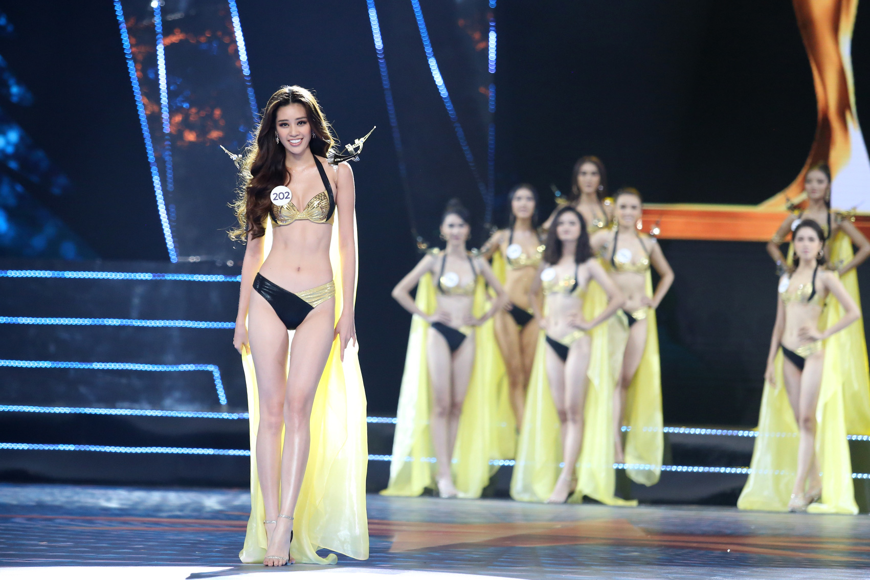 Nguyen Tran Khanh Van during the swimsuit competition
