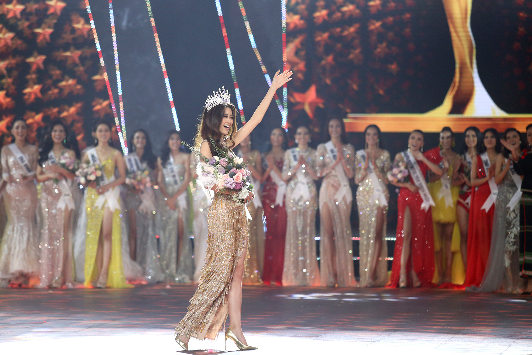 Nguyen Tran Khanh Van takes her first walk as Miss Universe Vietnam 2019.