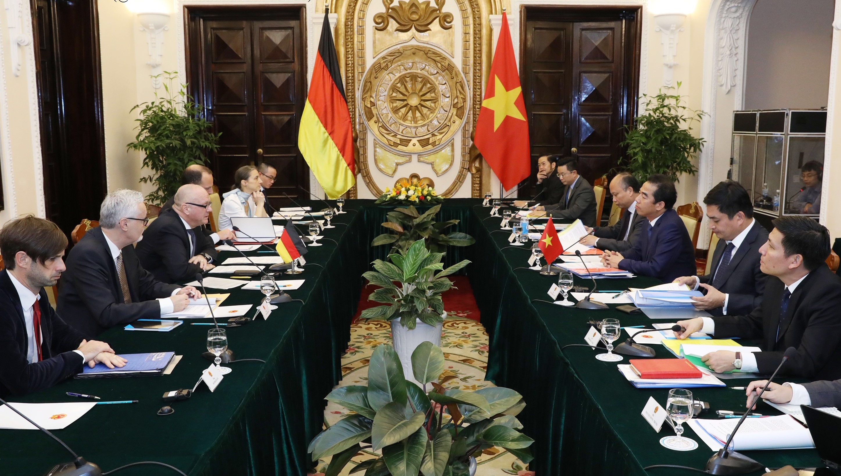 Vietnam, Germany hold consultations to endorse strategic action plan