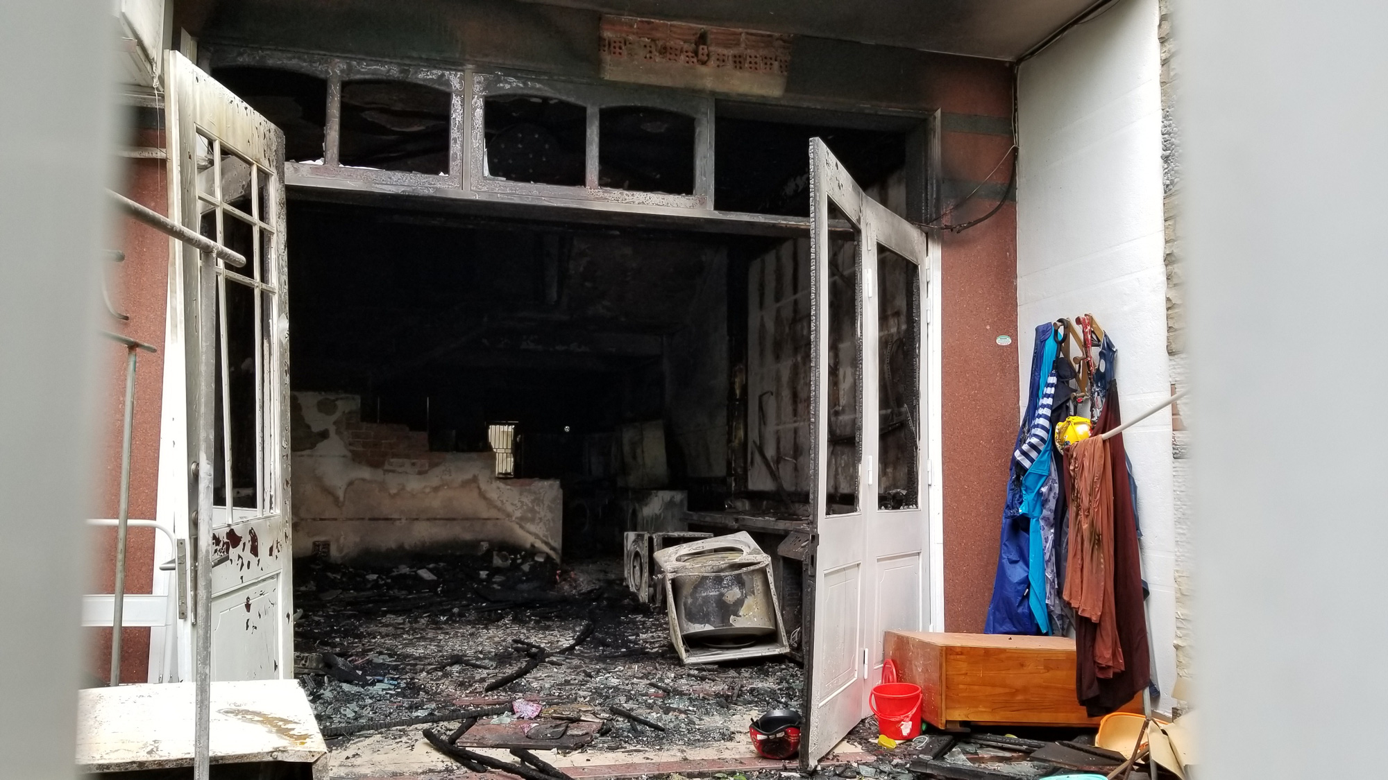 S.Korean injured after jumping from 2nd floor to escape fire at Da Nang laundromat