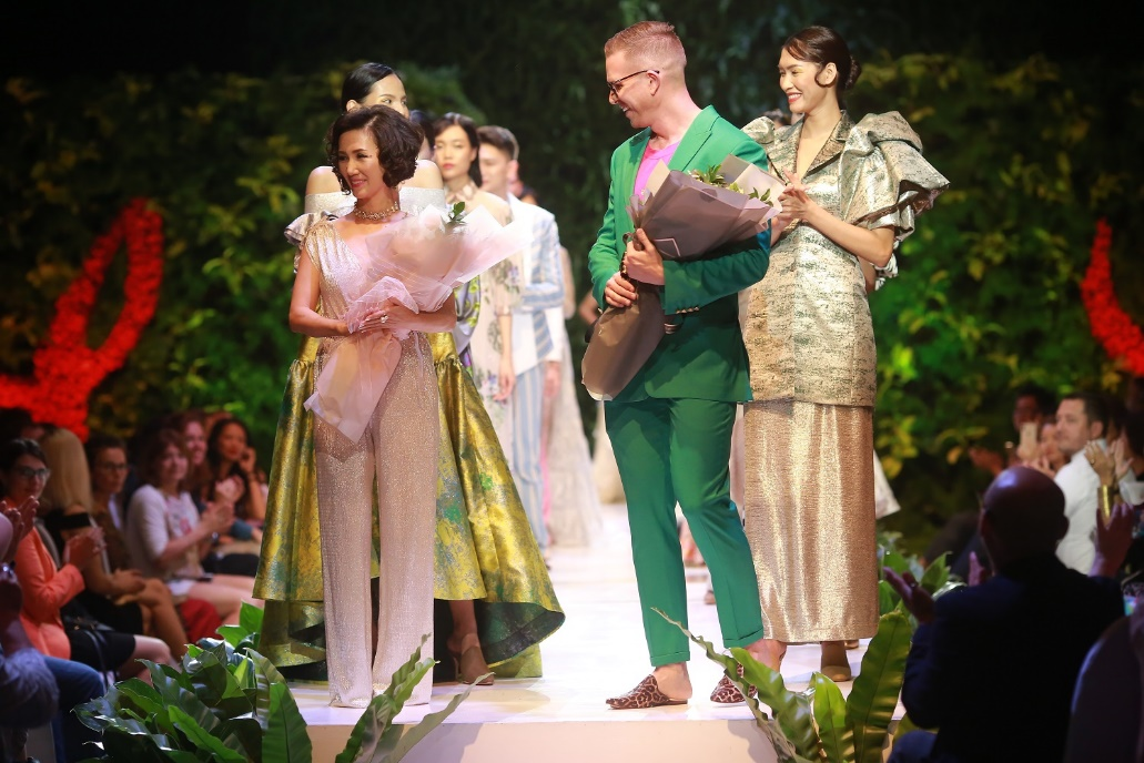 Oriental Garden Collection: new inspiration from 2019 Yaly fashion show