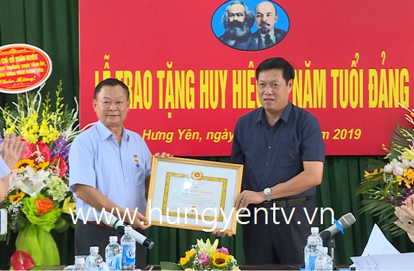 Vietnam PM appoints new deputy health minister, as minister seat remains vacant