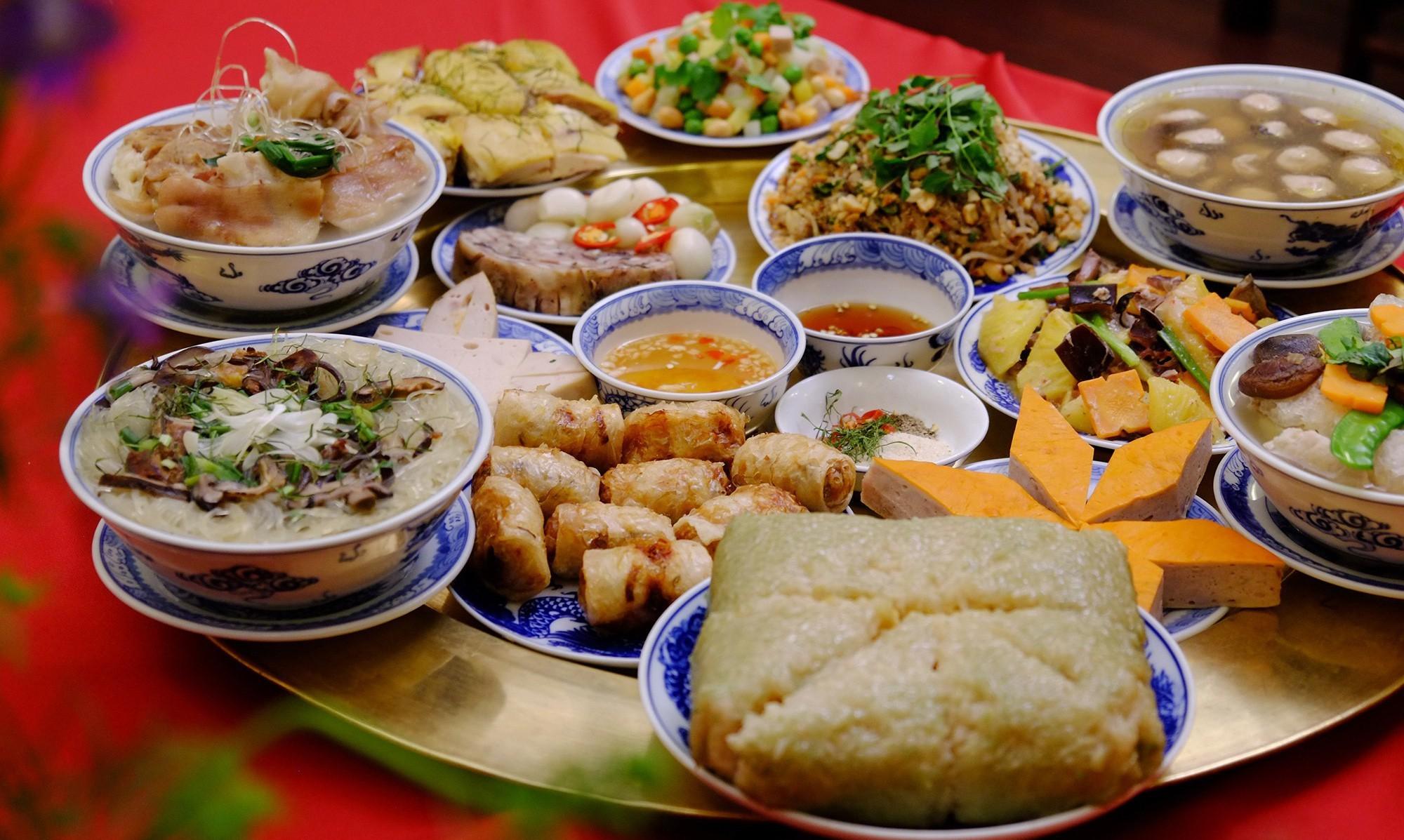 A full meal of Vietnamese Tet cuisine