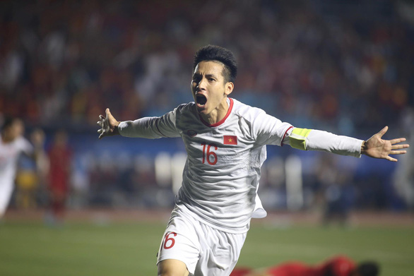 Vietnam's Do Hung Dung celebrates scoring the second goal in the finale against Indonesia of men's football at the 2019 Southeast Asian Games in the Philippines, December 10, 2019. Photo: Nguyen Khoi / Tuoi Tre