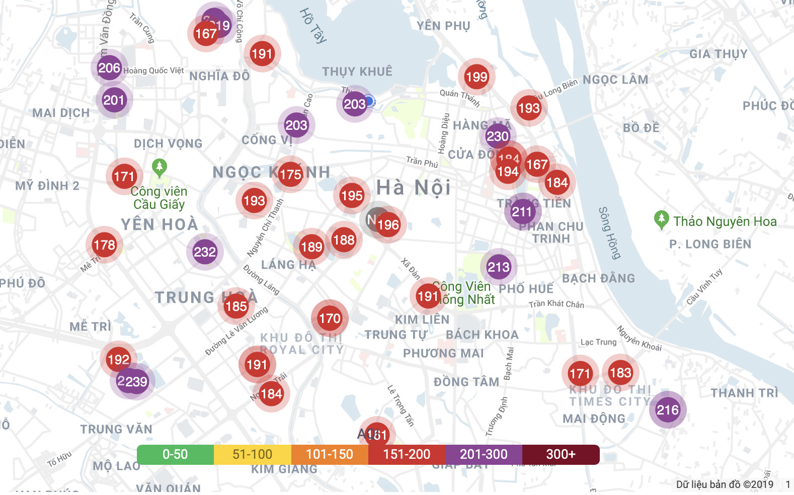 Air quality index (AQI) in Hanoi on December 13, 2019 is showed on PAM Air's website. Photo: Xuan Long / Tuoi Tre
