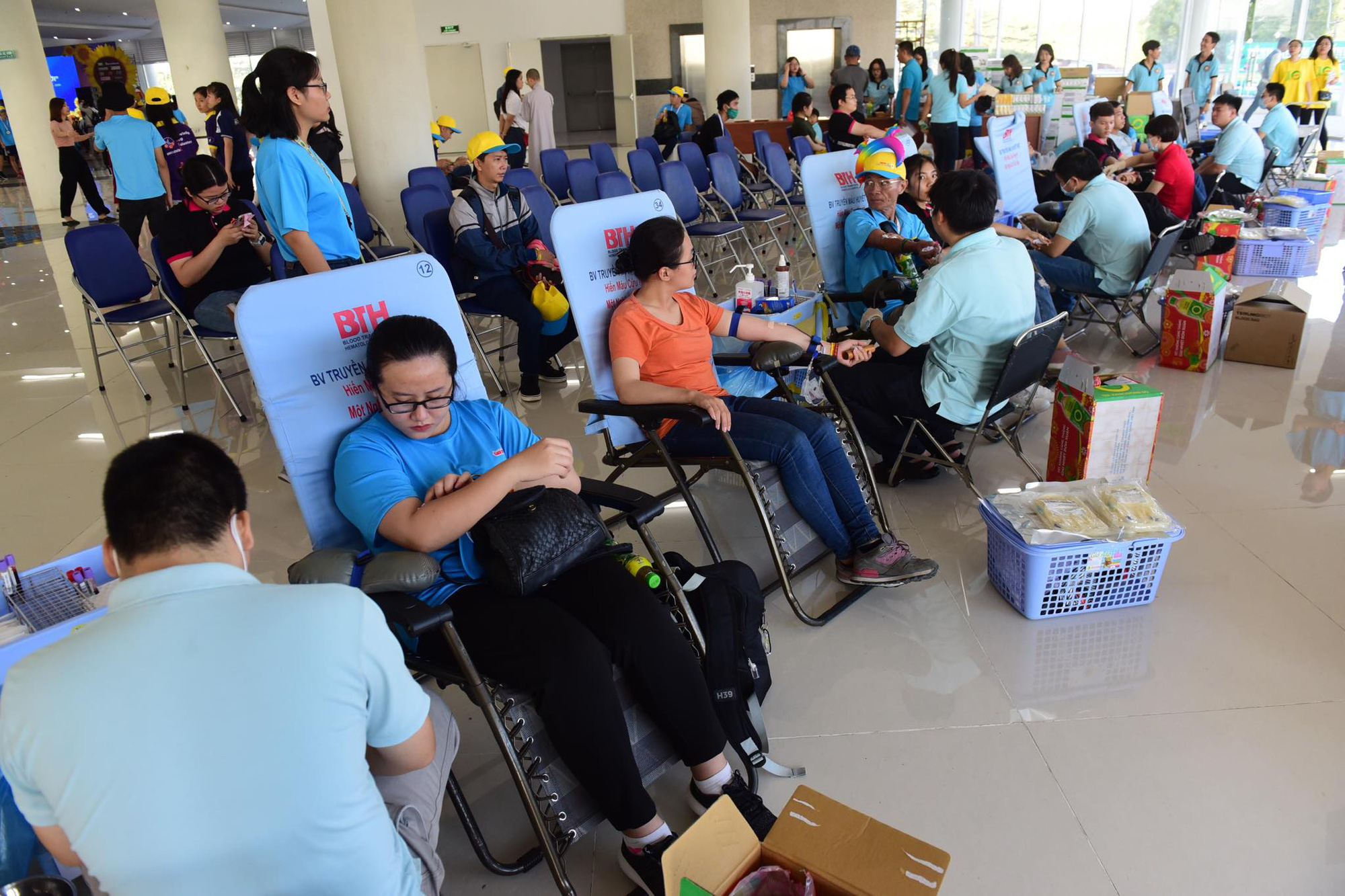 A blood drive takes place at the festival. Photo: Quang Dinh / Tuoi Tre