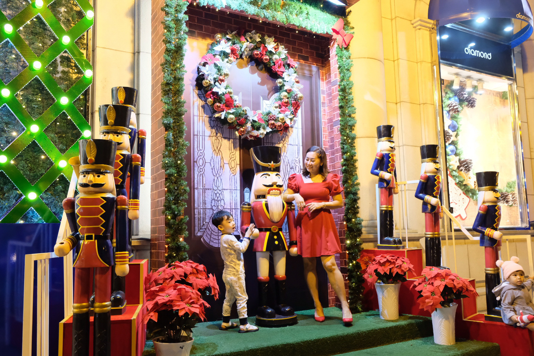 Demand for Christmas decorations rising as holiday spirit spreads in Ho Chi Minh City