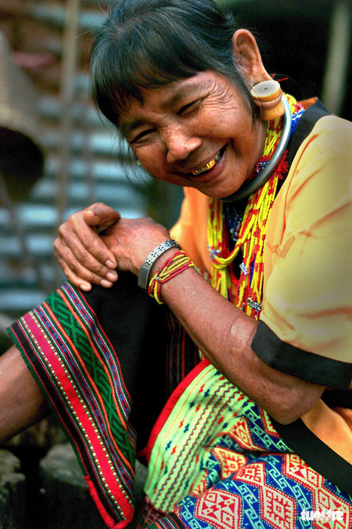 Ka Lang, a 76-year-old woman of the Ma ethnic group in Tien Hoang Commune in Cat Tien District