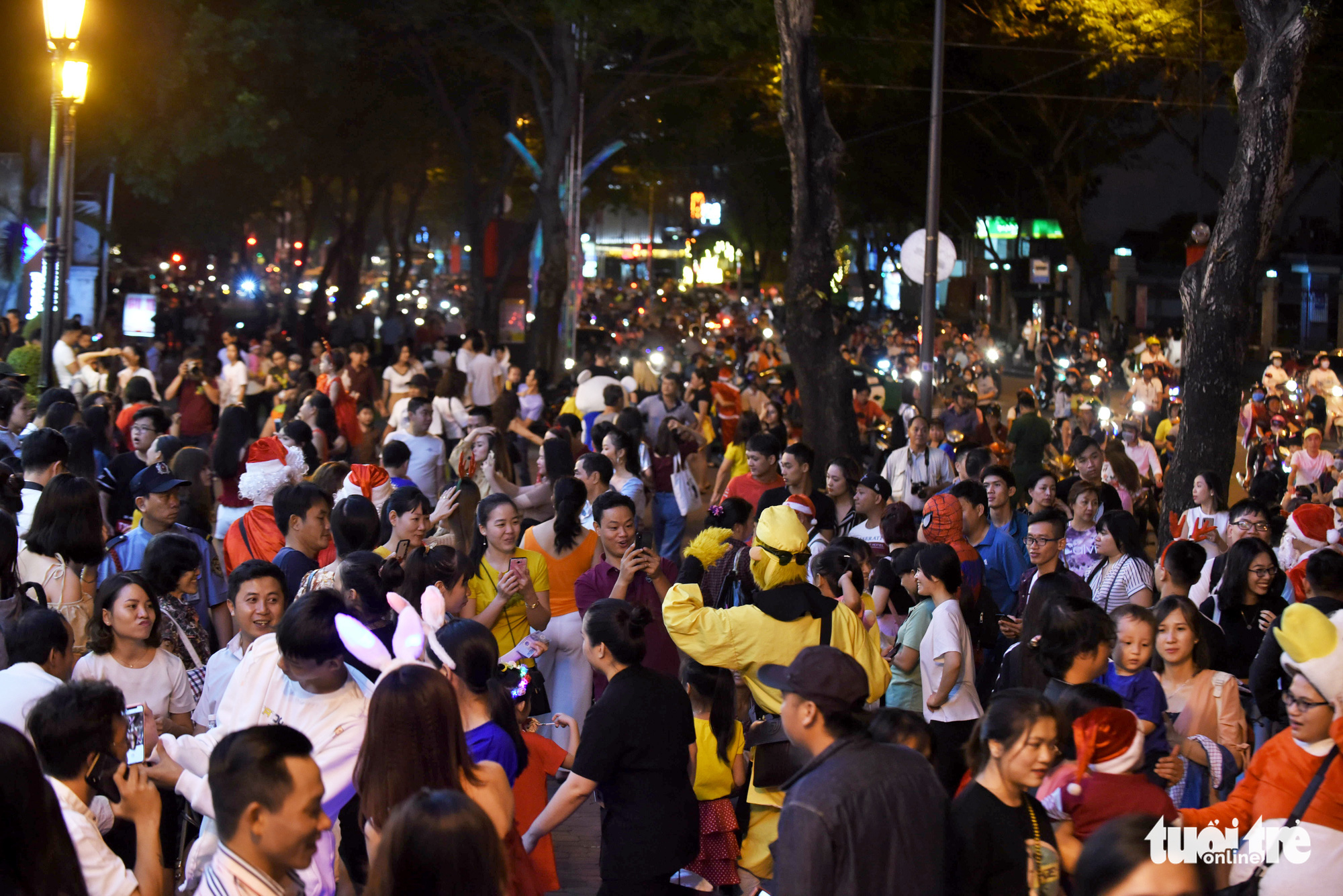People fill streets to celebrate Christmas Eve in downtown Ho Chi Minh City