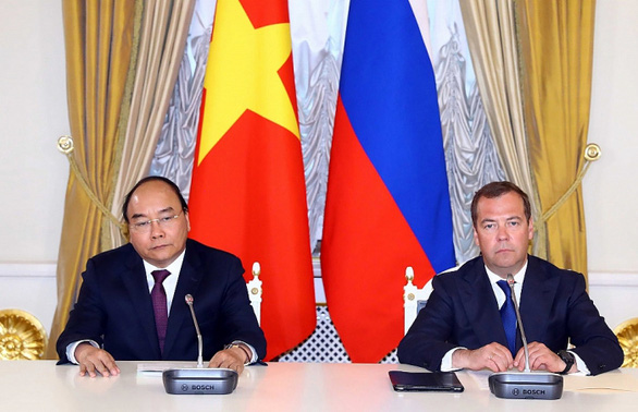 Russia supports oil firms in joining projects in Vietnam's waters: Dmitry Medvedev