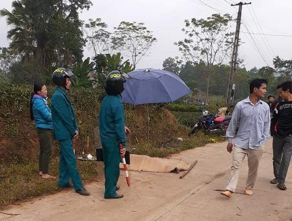 One of the victims is killed on the spot in a mass murder in Thai Nguyen Province on December 26, 2019. Photo: Quang Phuc / Tuoi Tre